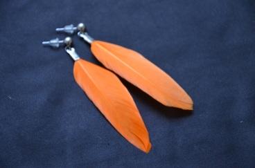 Oorbel - Oranje Veertjes €9/paar