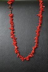 Ketting - Rode koraal Gehaakte ketting met rode koralen - €35