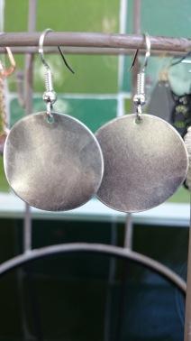 Zilverkleurige schijven €11,00 per paar