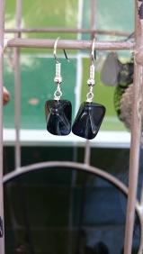 Zwarte glazen steen €9,00 per paar