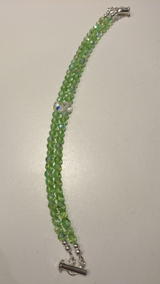 Dubbele armband met glasparels €25,00 - In stock A004