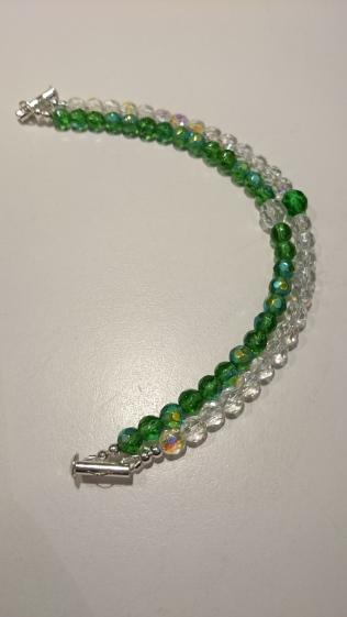 Dubbele armband met glasparels €25,00
