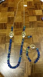 Set bestaande uit ketting, armband en bijpassende oorbellen €55,00 per set Ook apart verkrijgbaar In Stock