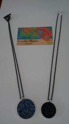 Halsketting met Swarovski steentjes en zwarte ketting €35,00 per ketting