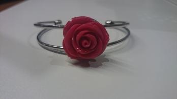 Vaste armband met grote roze roos €20,00 per armband