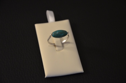 Ring met magnesite steen €15,00